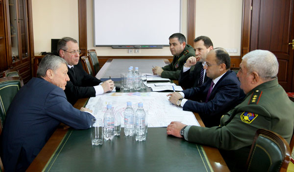 MEETING AT THE ADMINISTRATIVE COMPLEX OF THE ARM MOD