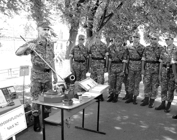 """""""SAFETY DAY"""": AN EVENT IN THE ARTILLERY MILITARY UNITS"""